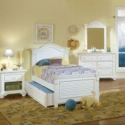 Cottage Traditions Youth Panel Bedroom Set (White)