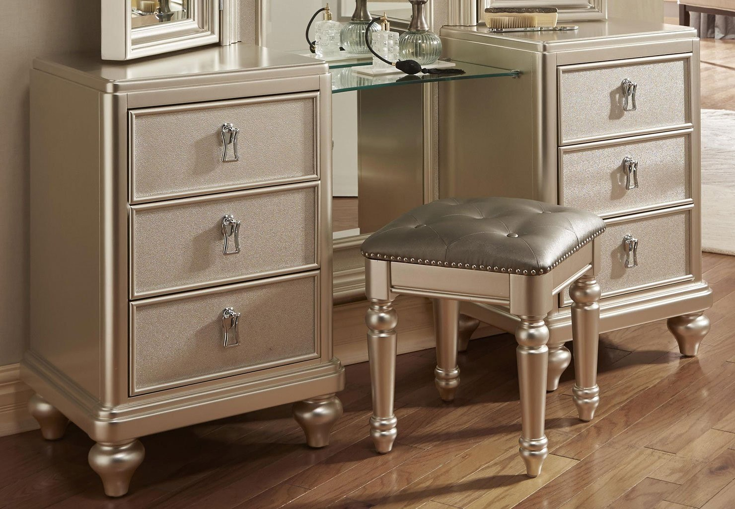 diva vanity dresser w stool by samuel lawrence furniture - Samuel Lawrence Furniture